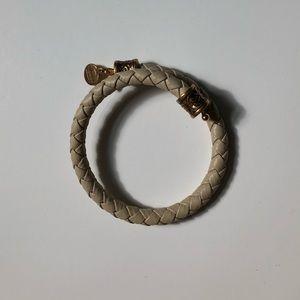 Alex and Ani NWOT braided gold bracelet ⭐️